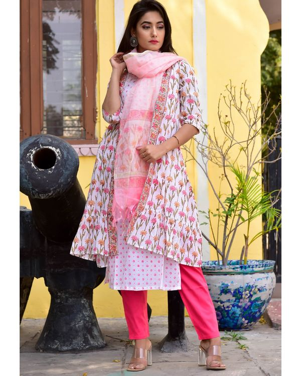 White and pink floral kurta, jacket and pants with dupatta- Set Of Four 2