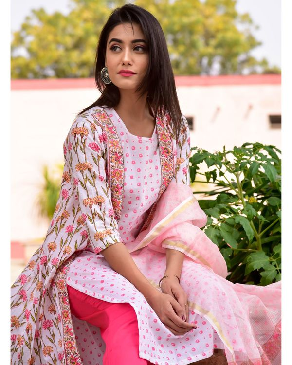 White and pink floral kurta, jacket and pants with dupatta- Set Of Four 1