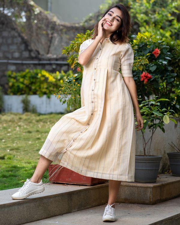 Light beige button dress with thread work 2