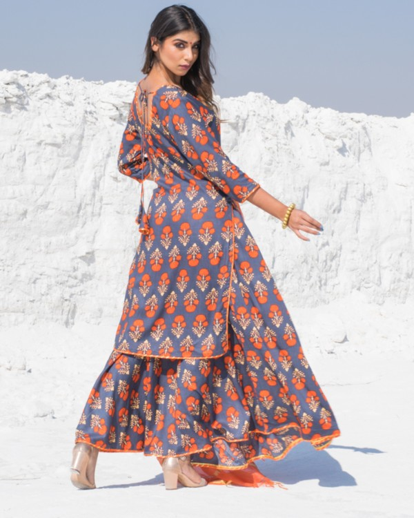 Grey and orange floral printed kurta and skirt with dupatta - Set Of Three 2