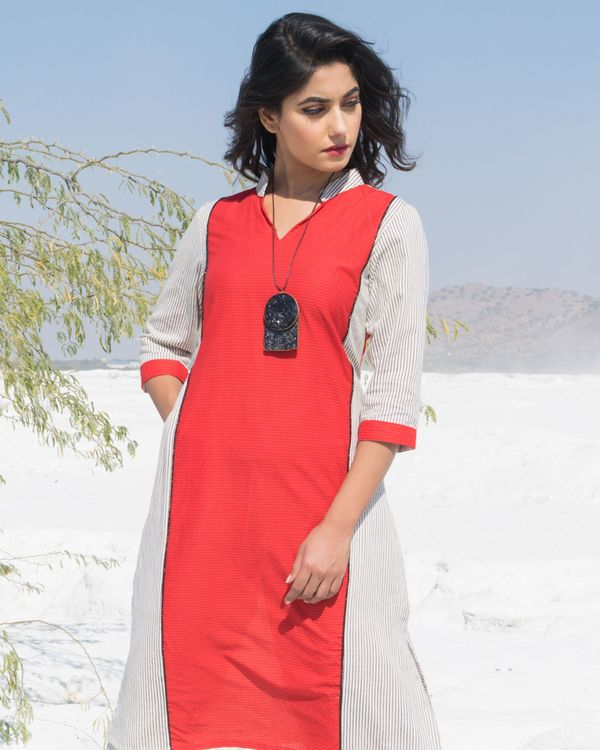 Red and white paneled strip kurta and pants- Set Of Two 1