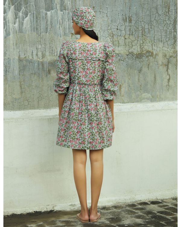 Grey and pink floral ruffled dress 3