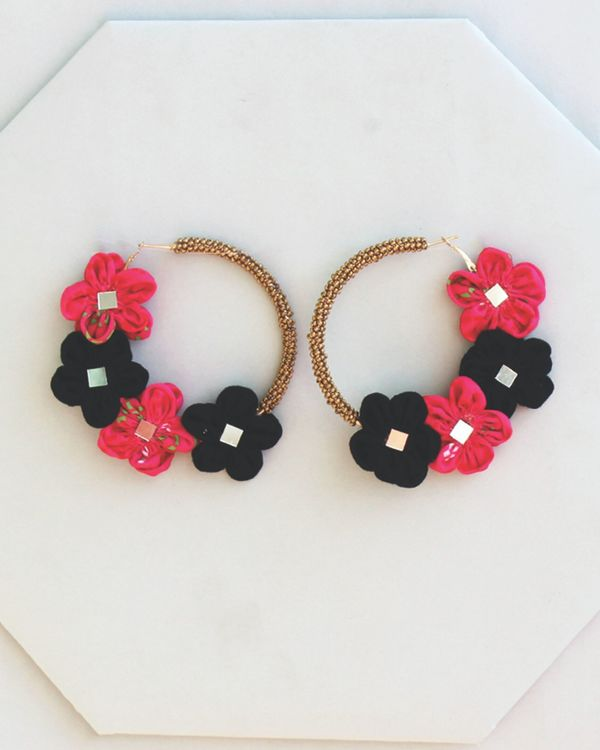 Pink and black floral beaded earrings 1