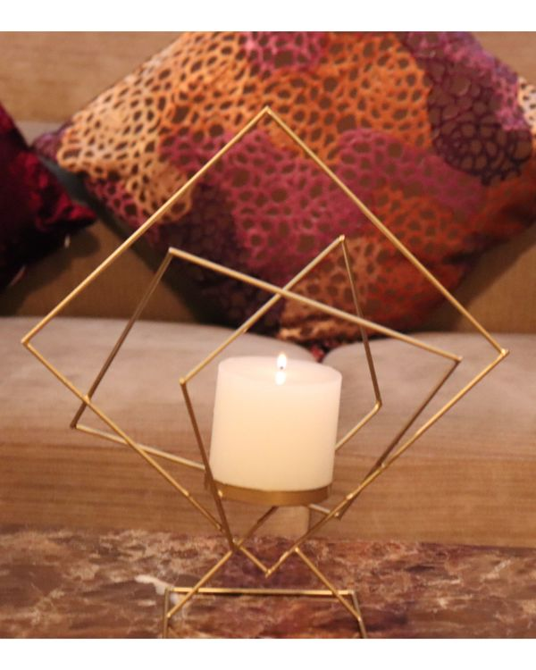 Geometrical metal candle holder 1