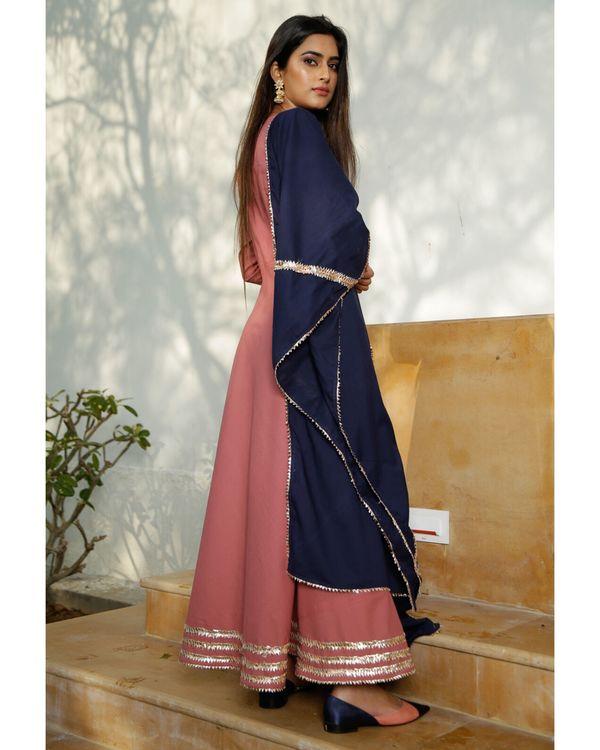Blush pink gota kurta with blue dupatta- Set Of Two 2