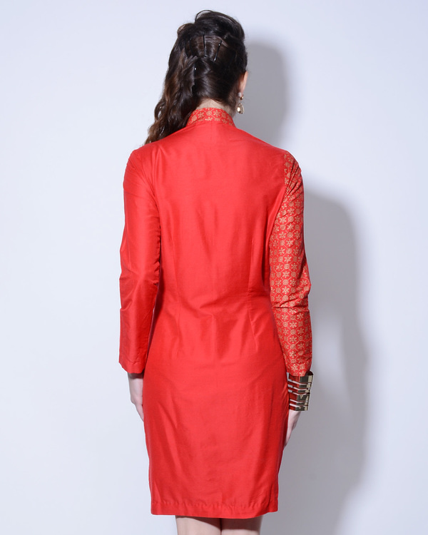 Red foil printed dress with asymmetrical buttoning 1
