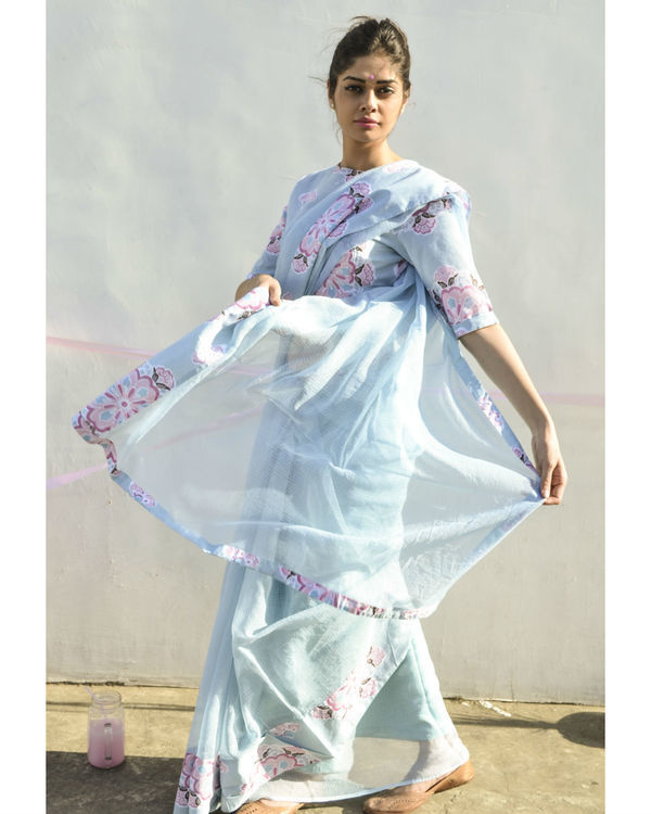 Pastel blue single border sari 2