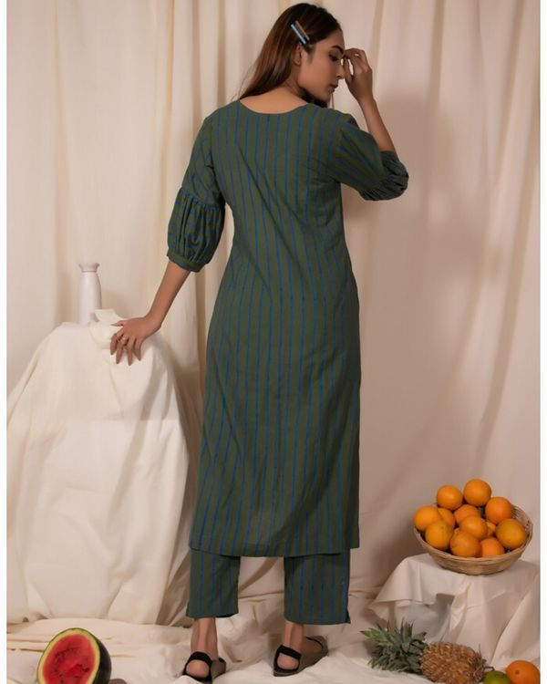 Dark green striped kurta and pants- Set Of Two 3