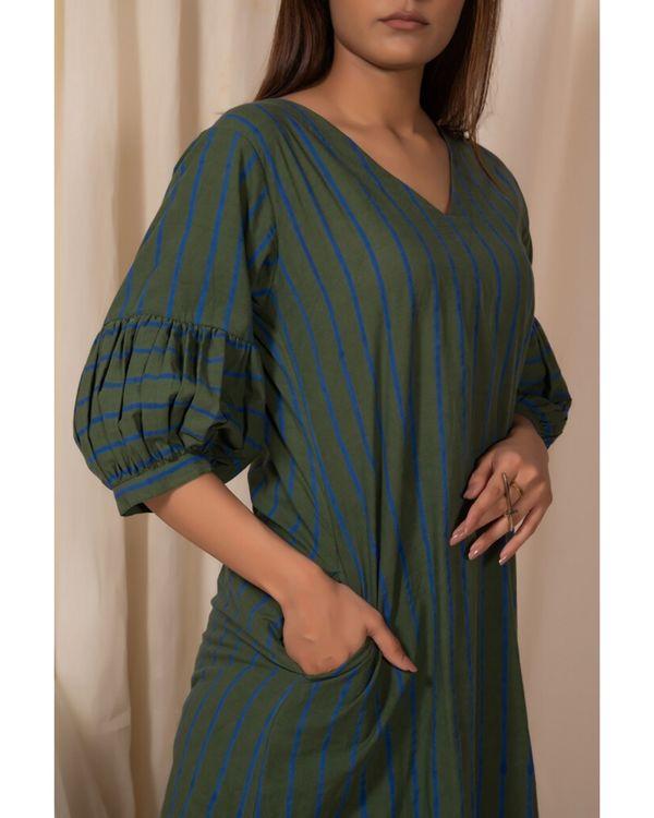 Dark green striped kurta and pants- Set Of Two 1