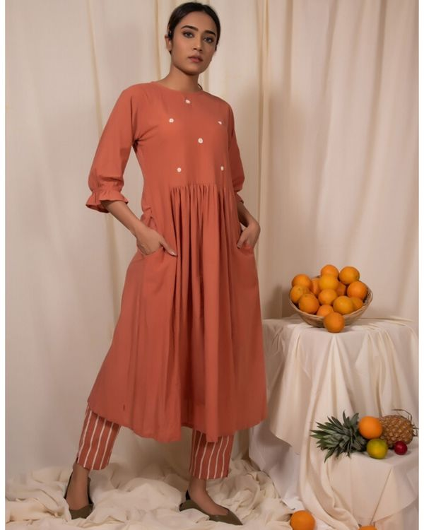 Peach embroidered kurta with gathers 2