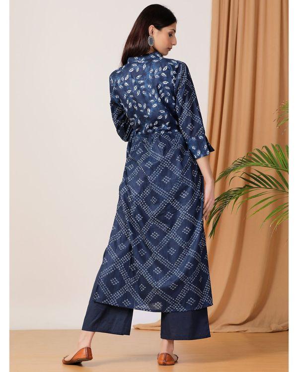 Indigo printed slit kurta and pants- Set Of Two 2