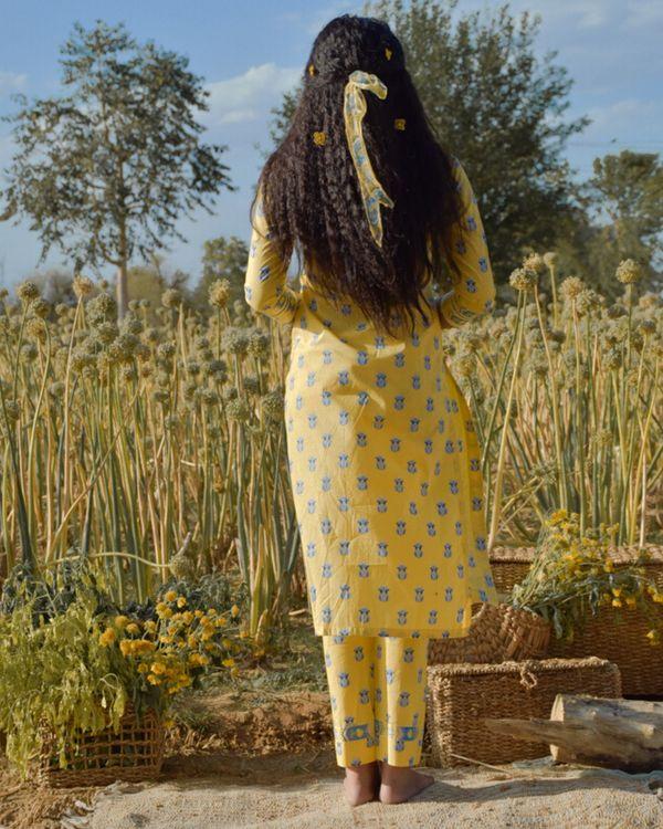 Yellow floral printed kurta and pants with dupatta- Set Of Three 4