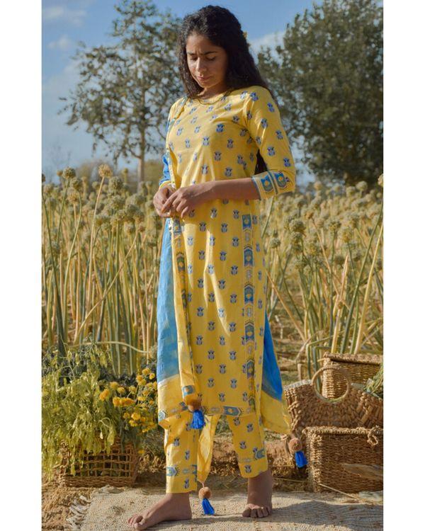 Yellow floral printed kurta and pants with dupatta- Set Of Three 3