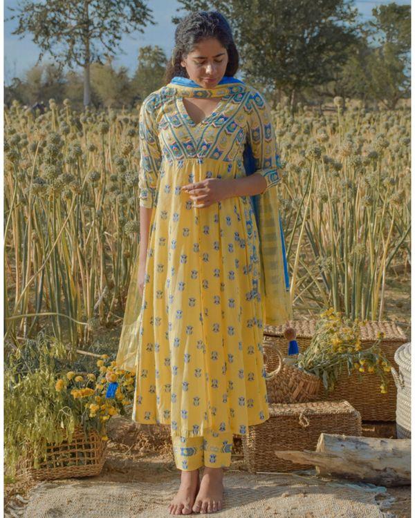 Yellow floral printed yoke kurta and pants with dupatta- Set Of Three 2