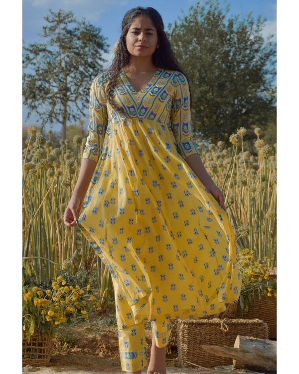 Yellow floral printed yoke kurta and pants with dupatta- Set Of Three 1