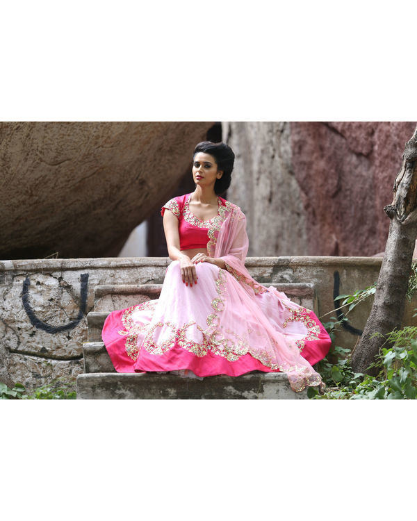 Pink and golden lehenga set with dupatta 1