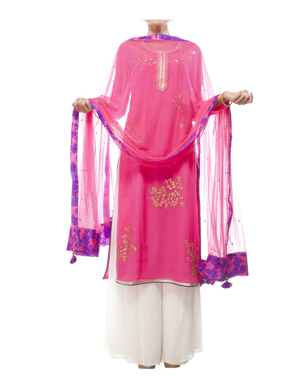 Pink Embroidered kurta set 2