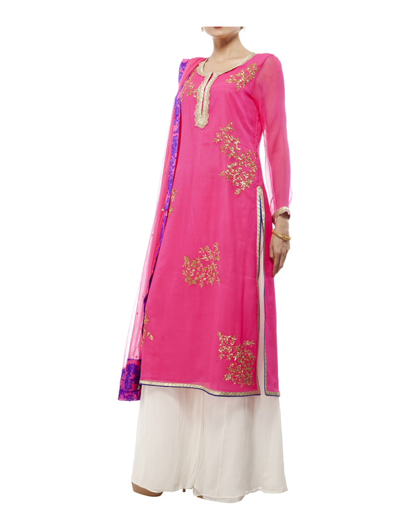 Pink Embroidered kurta set 3