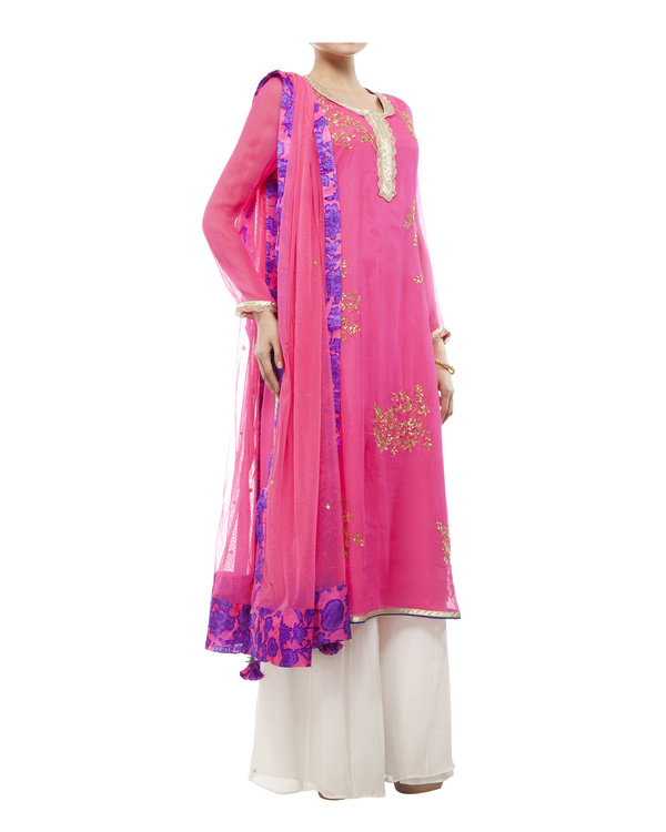 Pink Embroidered kurta set 4