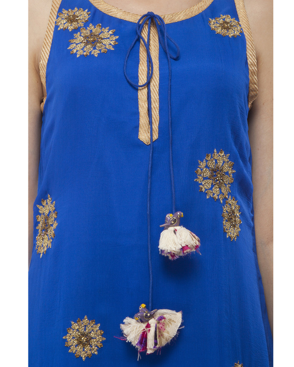Royal Blue Embroidered kurta set 1