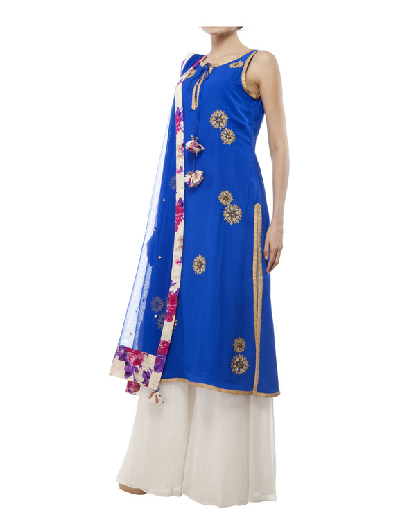 Royal Blue Embroidered kurta set 3