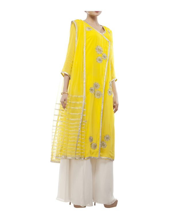 Yellow Embroidered Wrap kurta set 3
