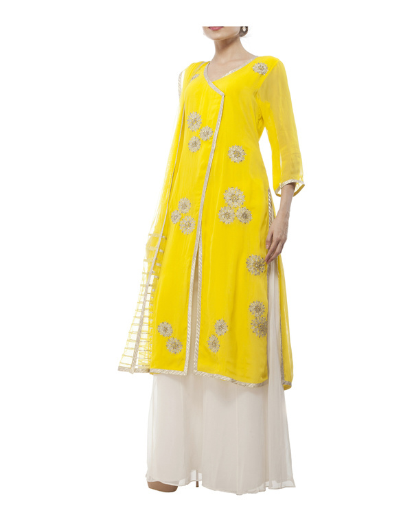 Yellow Embroidered Wrap kurta set 4