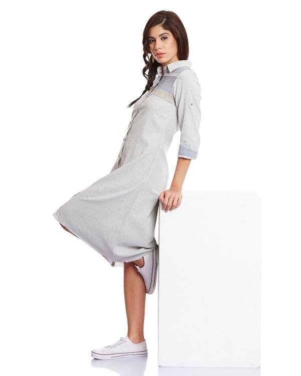 Striped blue dress 4