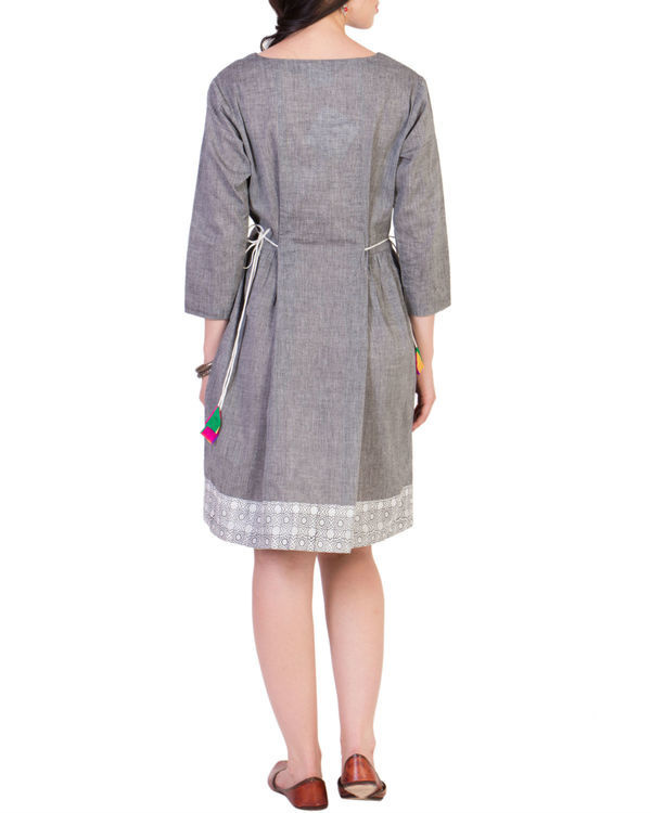 Grey tunic with printed border 2