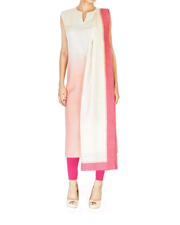 Pink embroidered jacket with ombre kurta set 2