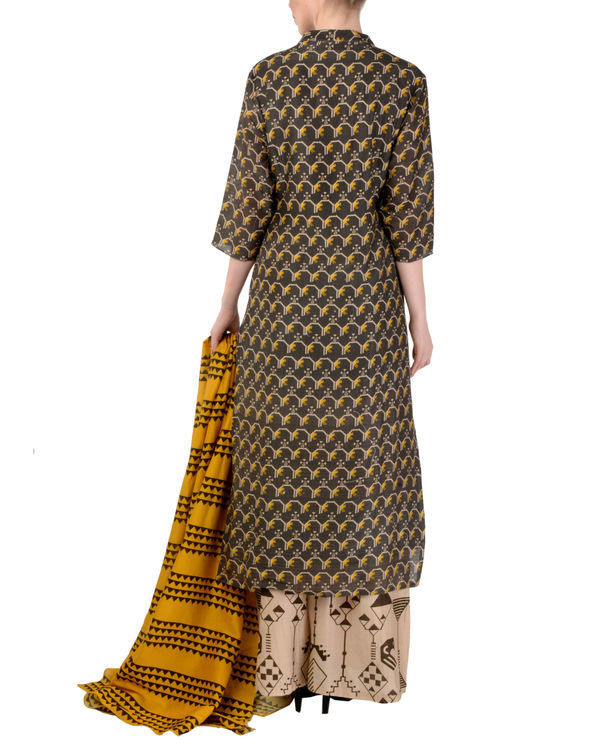 Black and beige kurta palazzo with dupatta set 2