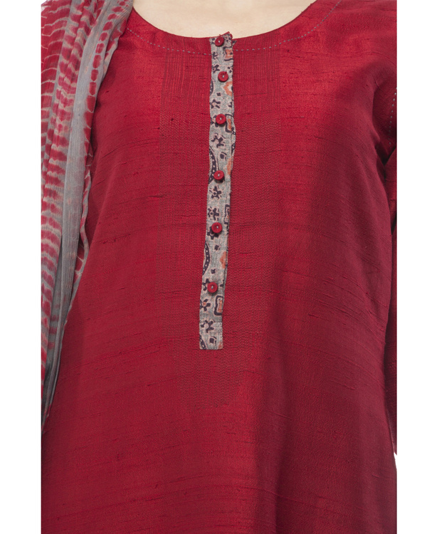 Kurta with front ajrakh print placket, comes with legging             tie & dye chiffon dupatta 1