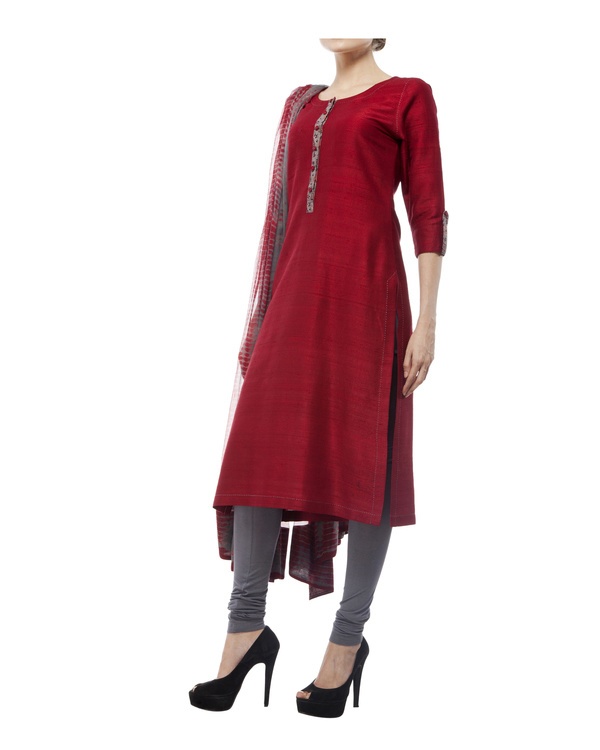 Kurta with front ajrakh print placket, comes with legging             tie & dye chiffon dupatta 3