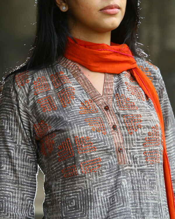 Grey dabu printed cotton kurta 2