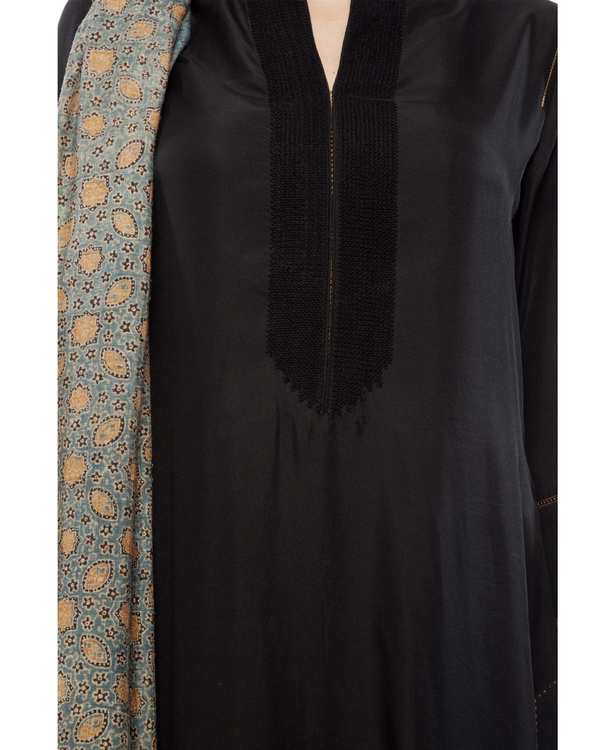 Embroidered yoke kurta, comes with a legging and ajrakh dupatta 1