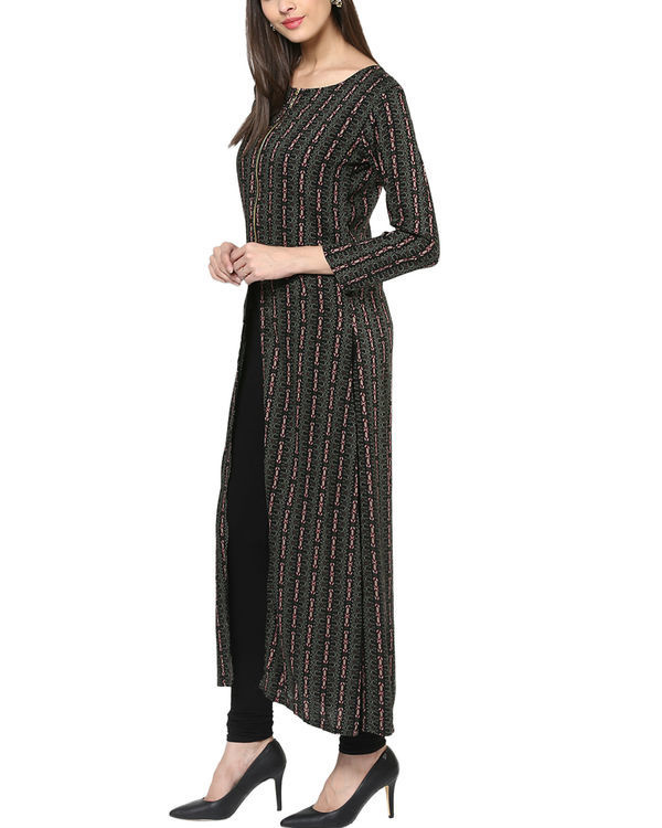 Black three slit kurta 1