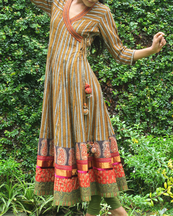Black and mustard yellow striped angrakha 4