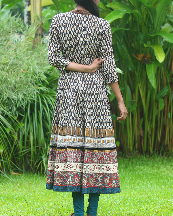 Broad border anarkali kurti 3