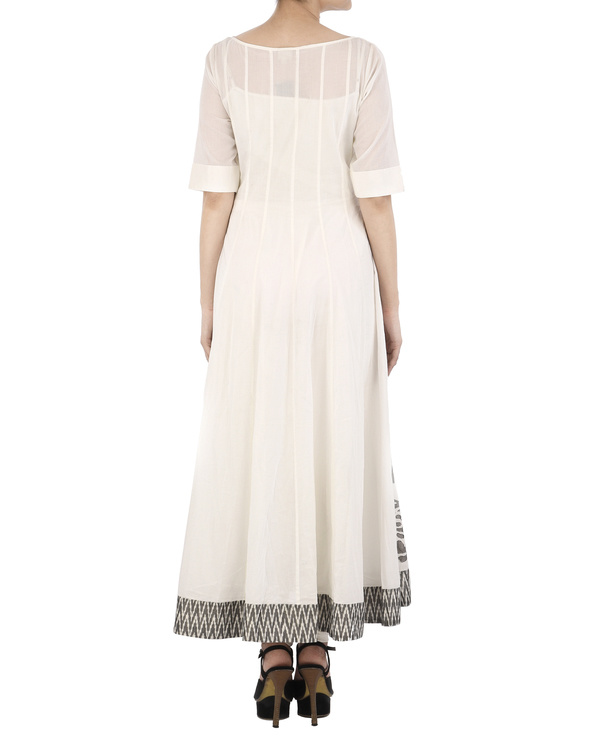 White cotton Dress with grey applique 3