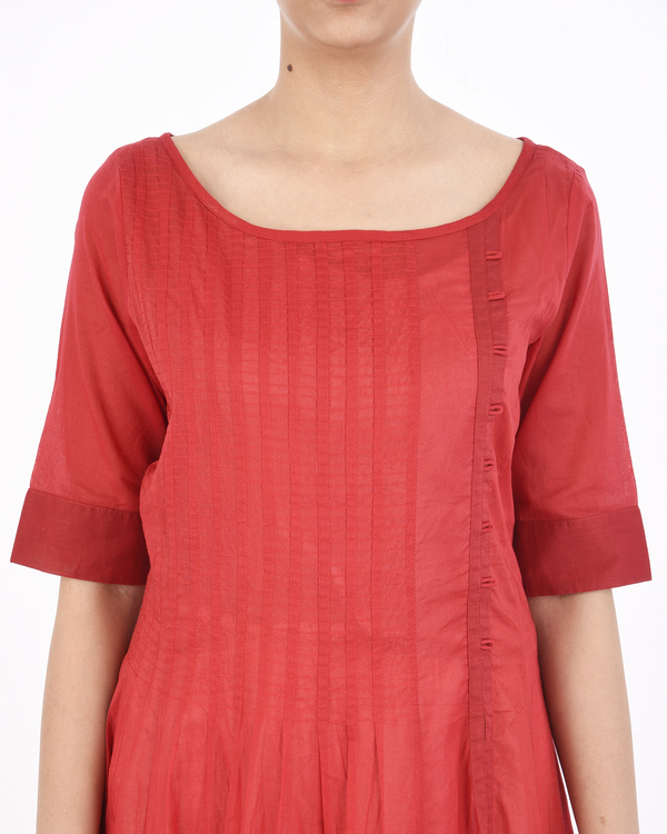 Red cotton dress with white applique 1