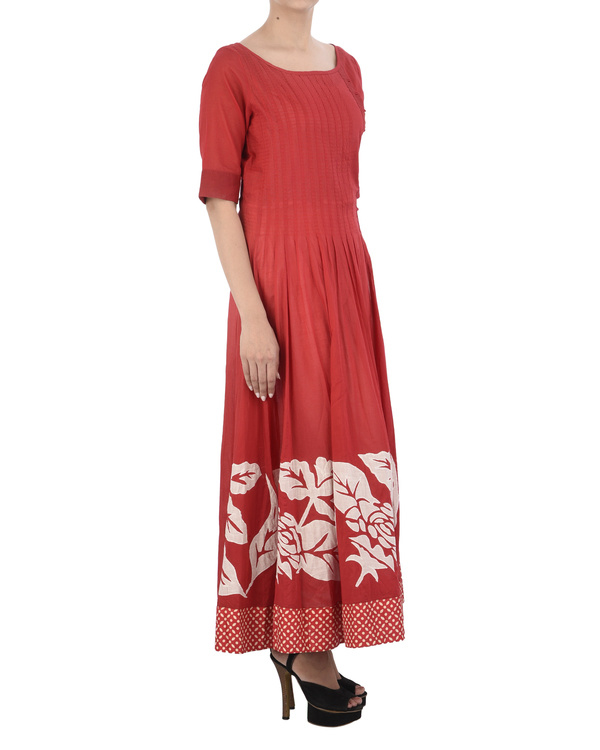 Red cotton dress with white applique 2