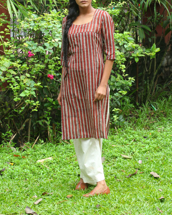 Off white kalamkari overcoat with maroon kurti 2