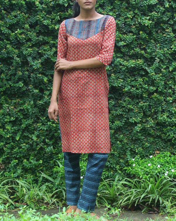 Rust kurti with printed overcoat 3