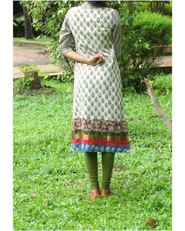 Twin set of kurti with ivory overcoat 2
