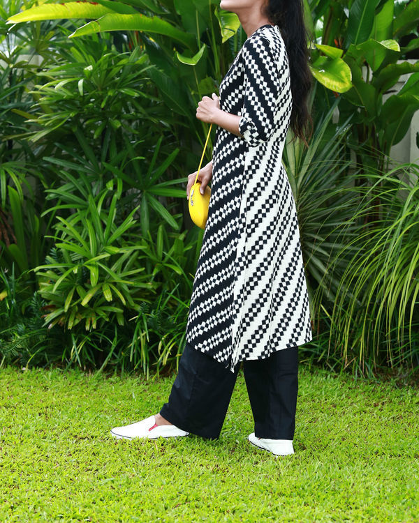 Black and white chequered ikat kurta 1