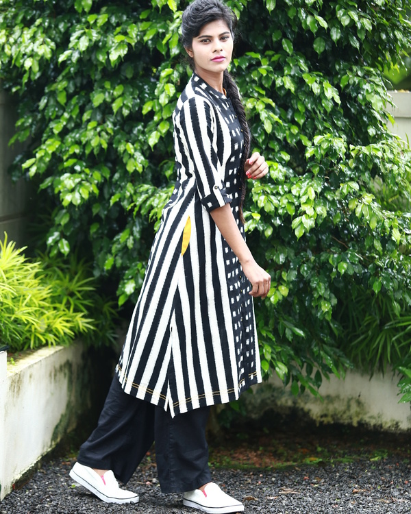 Black and white ikat kurta 1