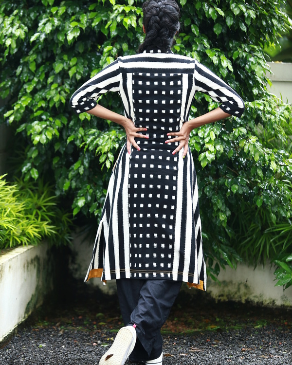Black and white ikat kurta 2