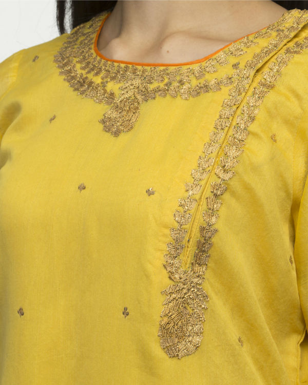 Mustard yellow kurta set with dupatta 2