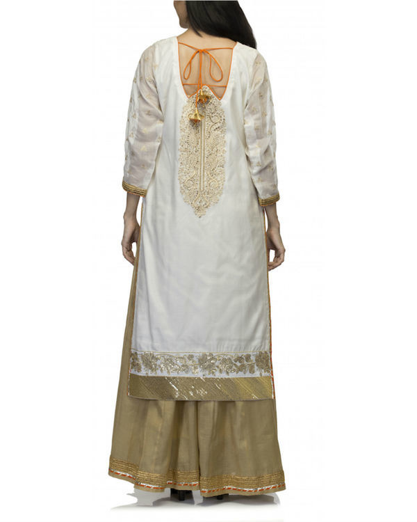 White kurta set with dupatta 1