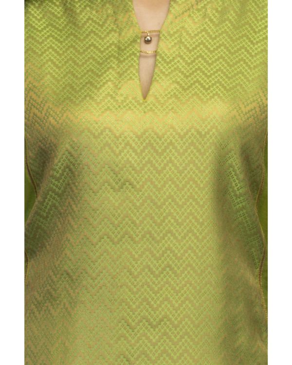 Lime green kurta set with dupatta 2